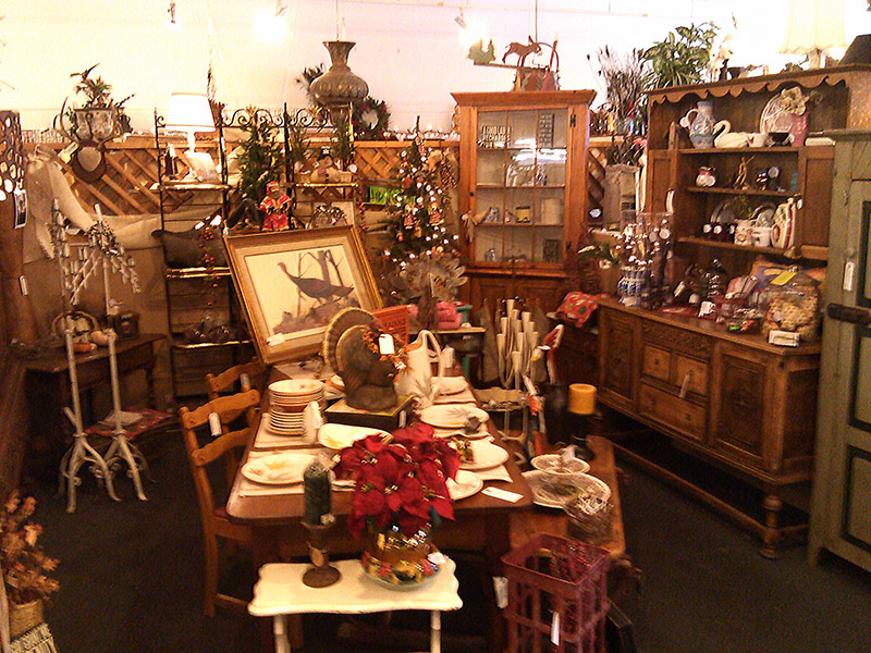 Gallery of Shoppes - Antiques, Jewelry, Used Furniture Hampden Street Antique Market